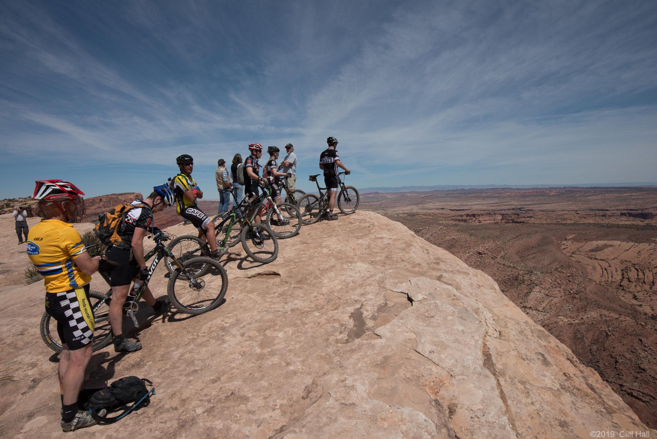 Bikes at the top of Gold Bar Rim trail