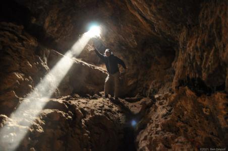 Duc bringing the light